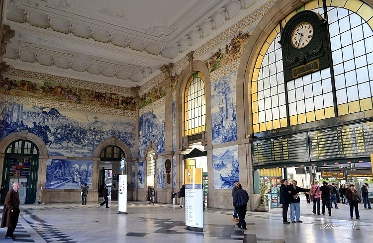 પોર્ટો, Portugal railway beautiful railway stations