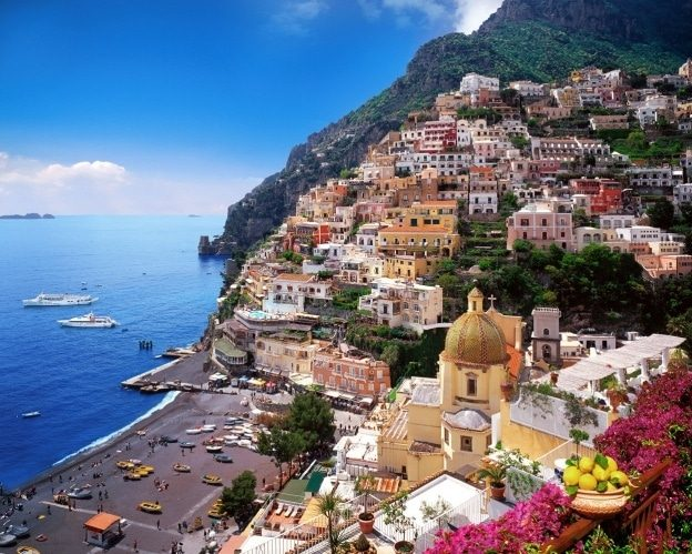 Positano Amalfi ni etikun - Honeymoon Destinations In Europe