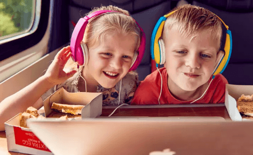 Listening to Music is among the Tips for traveling by train with kids
