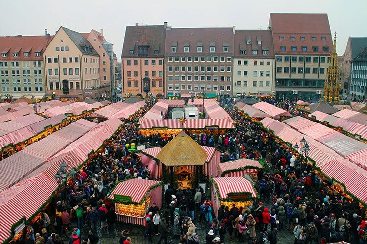 WaseLondon Christkindlesmarkt yenye Best Christmas Markets e Germany