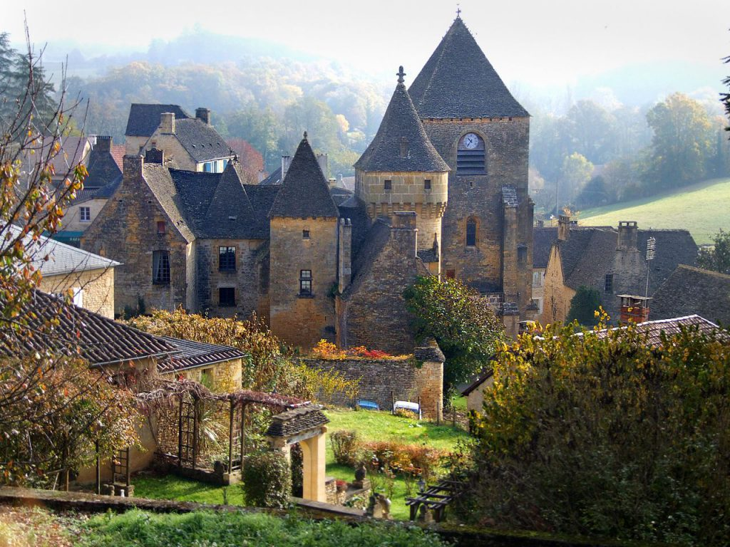 Scenic Villages in Europe and St. Genies