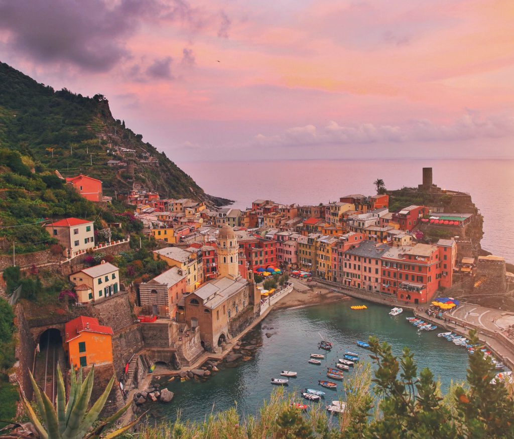 Vernazza, Cinque Terre Hiking Trail Morning Viewpoint