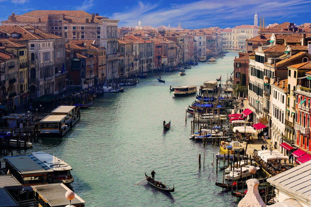 Venice Canals are the Best free walking tours Europe