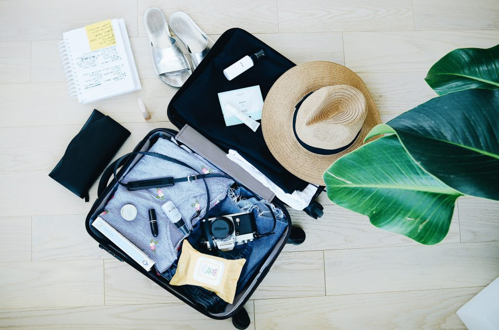 Sustainable Traveling by packing reusable items
